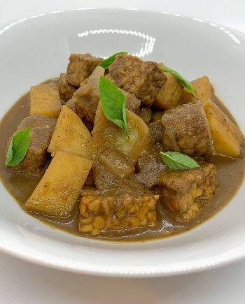 Tempeh Massaman Curry | Club Cultured